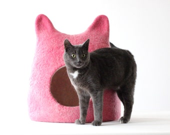Pink cat bed, wool cat save, cat house, bright cat bed, Valentines gift for cat, unique gift, modern cat bed, stylish cat house, cat cocoon