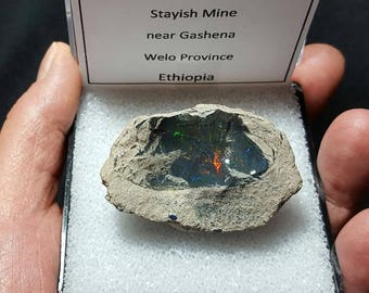 SALE 20 Gram BLACK OPAL Natural Rainbow Flash Desert Black Opal Gemstone Collector Mineral Specimen In Large Size Display Box From Ethiopia