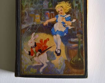 Alice's Adventures in Wonderland & Through the Looking Glass by Lewis Carroll - Illustrated by John Tenniel and Edwin John Prtittie --- Book