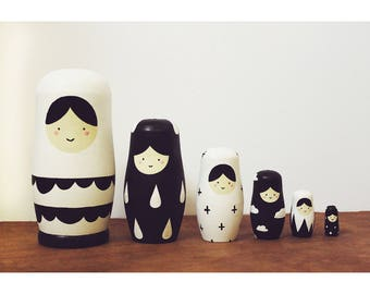 Russian Nesting Dolls //  Nesting Dolls // 6 Piece Set // Minimalist // Hand Painted // Hand Carved // Simplistic // Home Decor //