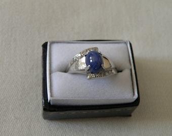 Resplendent Retro 14K Gold Star Sapphire and Diamond Ring - Size 5 1/2 U.S.