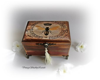 Vintage Insect Box Personalized Jewelry Box Rustic chic Insect Box Rustic Trinket Box Personalized Gift Antique Decoupage Box Quin Bee
