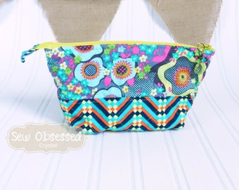Essential Oil Carrying Case, Holds 12 oil bottles, Quilted Essential Oil Travel Bag, Storage, Bright Multi Colored Fabric, Ready to Ship