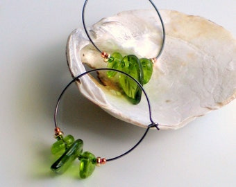 Mixed Metal Hoop Earrings with Peridot Greenery Glass Leaves Pantone 2017, Fun and Easy Nature Earrings, Leaf Jewelry, Botanical Jewelry