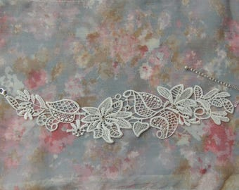 White flower lace bridal necklace and leaves
