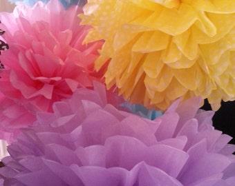 Tissue Paper Pom Poms - Set of 8 - Birthday's Decor//Nursery//Parties Decor//Receptions