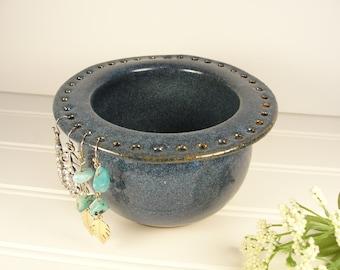 Earring bowl, Jewelry holder, Earring holder, Jewelry bowl, Jewelry Organizer, Earring Organizer, Pottery gift, Small gift for women