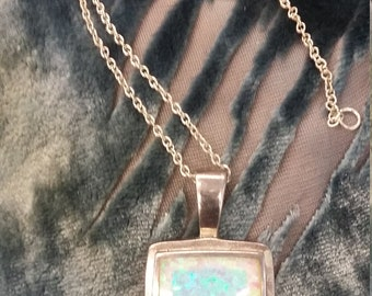 Vintage sterling silver and moonstone pendant