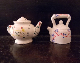Vintage Teapots Tea Pots Metal Salt Pepper shakers