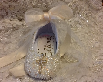 Christening Hand Made with  Pearls and Rhinestone Brooch Baby Girl Dress Shoes