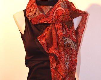 red scarf with volute and lace