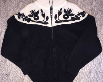Vintage Women's Knit Zip Up Sweater By I.B. Diffusion So Size Small Black White Warm
