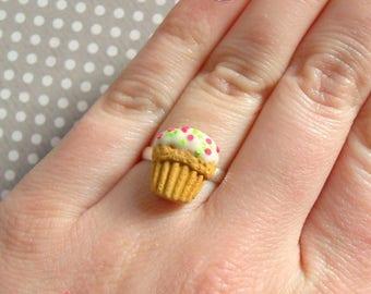 "Ring ""Cupcake vanilla and green and pink confetti"""