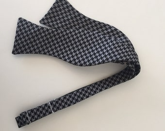 Men and Teen's Black and Grey Houndstooth Bow Tie