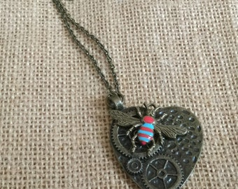 Heart and bee necklace