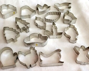 Vintage Set of Metal Cookie Cutters  Christmas/Thanksgiving Holiday Cookie Cutters Collectible (16)