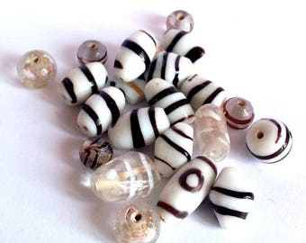 tone glass, black, white, transparent - 6-12mm approx 20 beads