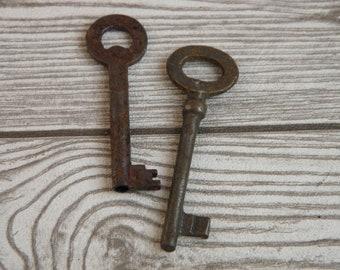 Set of 2 Old Keys, Lot of 2 Vintage Keys, Vintage Set of 2 Keys, Old Skeleton Keys, Retro Home Decor, Vintage iron keys, Vintage Home Decor