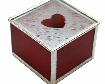 Boîte de verre teinté avec un coeur givré Design en rouge