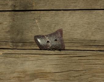 Gemstone button