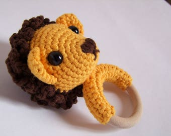 Teething ring Arturo the lion in cotton crochet