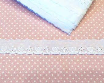 Madeira white lace heart 2, 5 cm