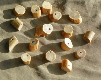 Antler Beads, Natural Whitetail Deer Antler Bone Beads, Lot of 16 Large Cut, Lightly Polished, Rustic Woodland Country Style Crafting