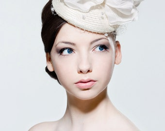 Ivory straw percher hat with large poppy and dotted veiling perfect for a wedding, Ascot, the Melbourne Cup.