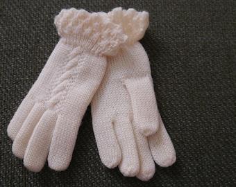Vintage Girl's White Wool Gloves, Easter Gloves, Dress Gloves, Never worn