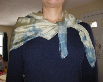 Grand jeu/foulard en soie - teinté naturellement, bleu et or
