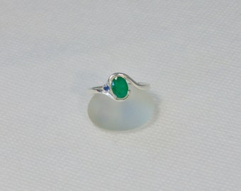 Emerald Size 8 Oval Sterling Silver Ring