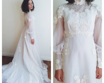 1960s Vintage Wedding Dress with Applique Flowers Size Small | Vintage 60s Flowing Wedding Gown 26 inch Waist