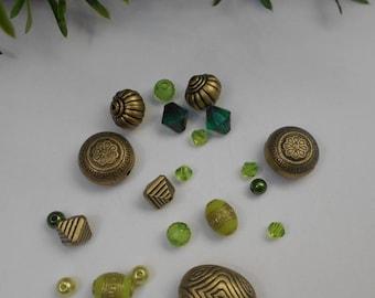 Assortment of 21 - acrylic beads Lot # 3