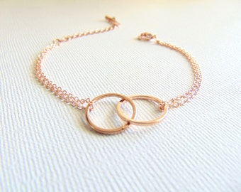 Rose gold Interlock circles bracelet, Linked circles Eternity bracelet, Love gift, MoM jewelry, Dainty Jewelry, Bridesmaid gift, Friendship