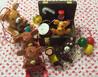 lots of adorable bears ornaments