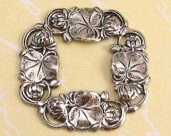 Water Lily Wreath Pendant, Antique Silver, Trinity Brass, 2 Pc. AS52