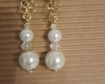 """Romantic"" Elegant pearl earrings"