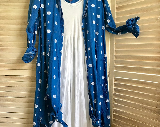 Size medium Cotton shirtdress /duster with big pockets