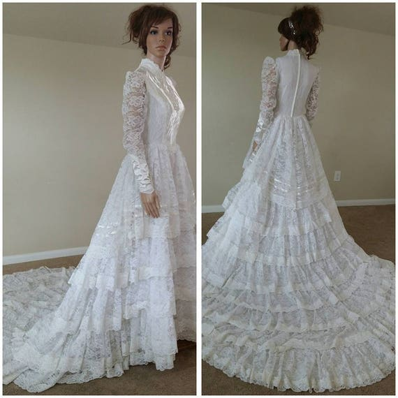 Vintage Wedding Dress 90s: Vintage 70s Lace Ruffles Wedding Dress Wedding Gown With Train