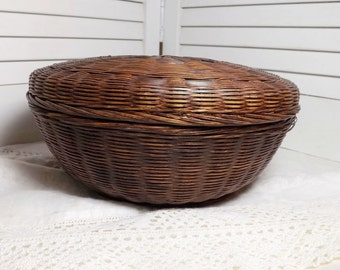 """vintage sewing basket round bamboo, old woven bamboo reed basket with lid, 1930s woven bamboo sewing basket, 10"""" round covered sewing basket"""
