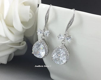 Dangle Earrings Wedding Earrings Cubic Zirconia Earrings Bridal Earrings Bridal Jewelry Gift for Bride Crystal Earrings Wedding Gift