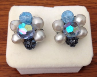 Vintage Mid Century Clip On Earrings / Faux Pearls and Blue Beads