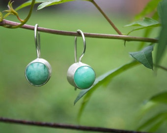 Faceted Soft Green Chrysoprase Earrings set in Brushed Sterling Silver - Chrysoprase Jewelry - Gemstone Jewellery