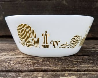Federal Glass Bowl or Baking Dish, White Glass with Rustic Wooden Dish Set Motif