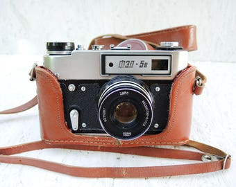 Vintage USSR Camera FED-5B with Industar-61L/D lens with original leather case