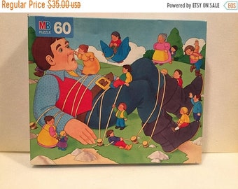 Summer Sale Gulliver's Travels Storybook Puzzle By Milton Bradley 60 Piece Puzzle.New Sealed.VINTAGE UNIQUE RARE.Free Shipping