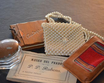 Vintage Group of Collectables