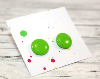Light green stud earring