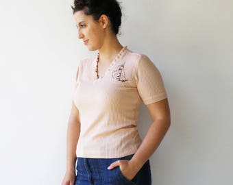 Vintage 1970s Peach Knit Top / Sailboat Pink Top / Size M L