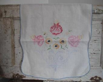 Vintage Dresser Scarf Embroidered Dresser Scarf Vintage Table Runner
